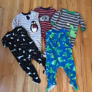 Carter's Pajamas - 5 pair sz 12mo boys Carter's fleece pajamas